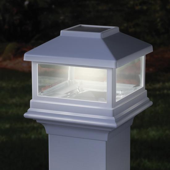 Deckorators Solar Post Cap Light